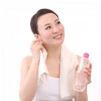 カイロプラクティック・エデン 水を飲めば血栓予防、血液サラサラで健康力アップ